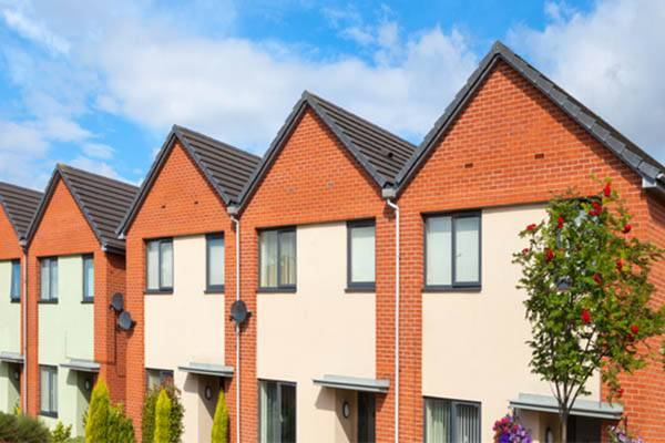 verge-covers-fitted-to-the-roofs-of-houses